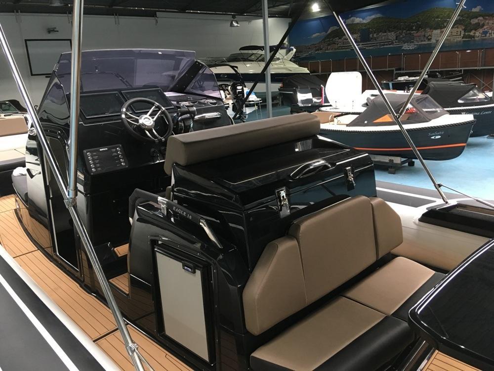Luxe Brig Eagle 10 rib met 2x Mercury Verado 350 pk! 12