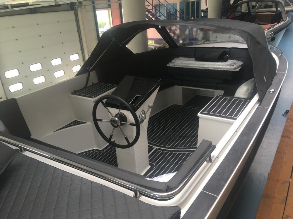 Maxima 730 tendersloep met Honda 135 pk motor! 4
