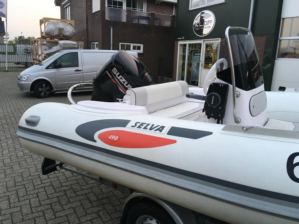 Selva 490 wit met Suzuki 90 pk 8