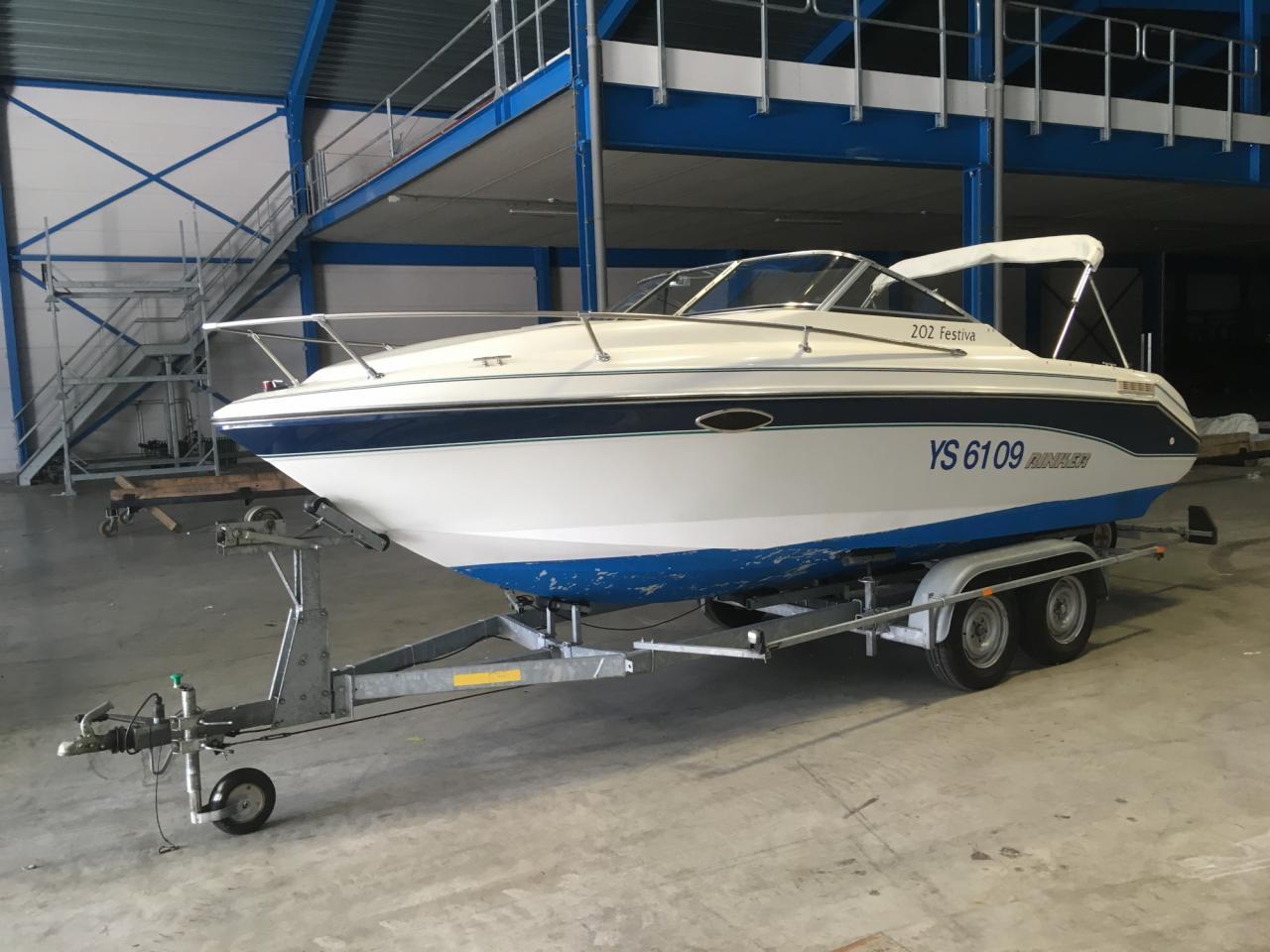 Rinker 202 Festiva met Mercruiser 4.3 liter LX 1
