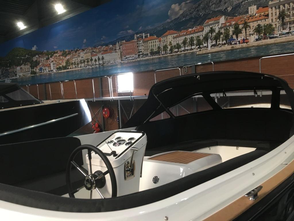Antaris Sixty6 grijs met 52 pk Vetus diesel motor 3