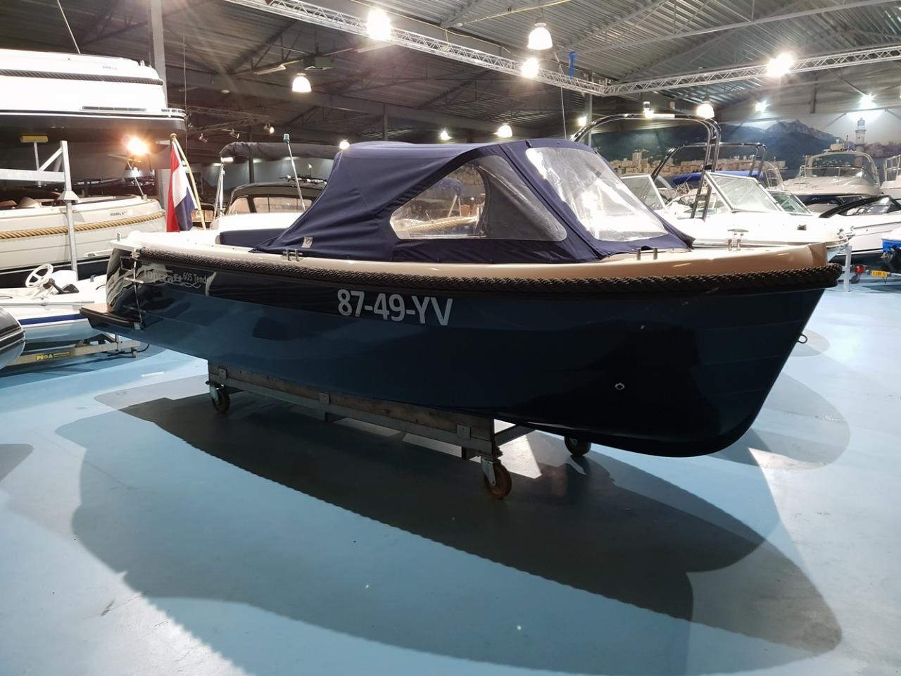 Topcraft 605 tender met Yamaha 50 pk nieuwstaat! 1