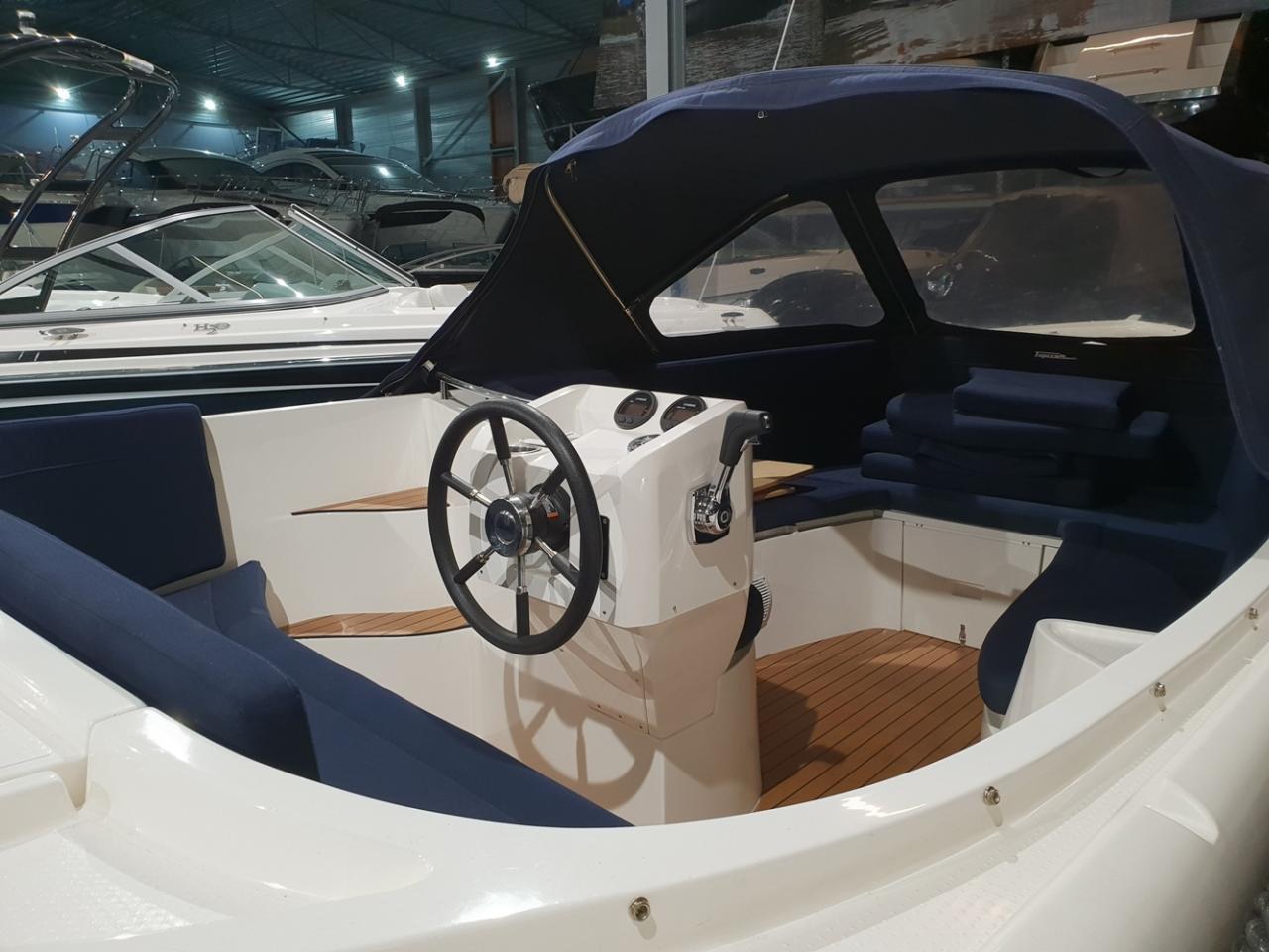 Topcraft 605 tender met Yamaha 50 pk nieuwstaat! 15