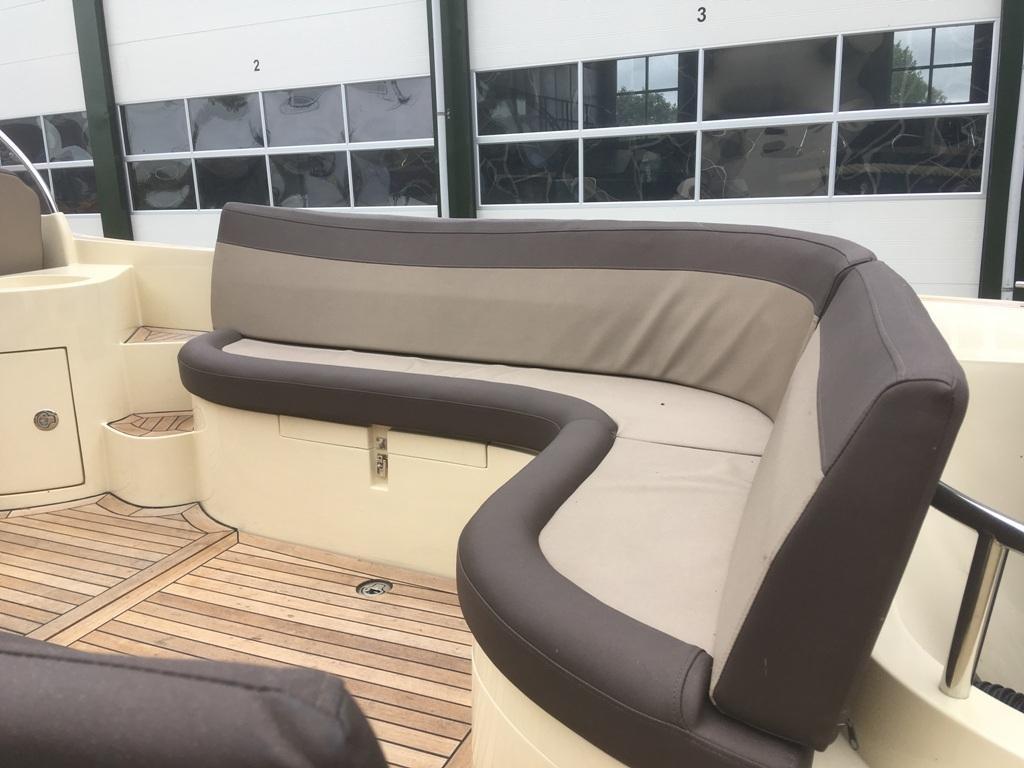 Oudhuijzer 700 cabin met Suzuki 150 pk motor 8