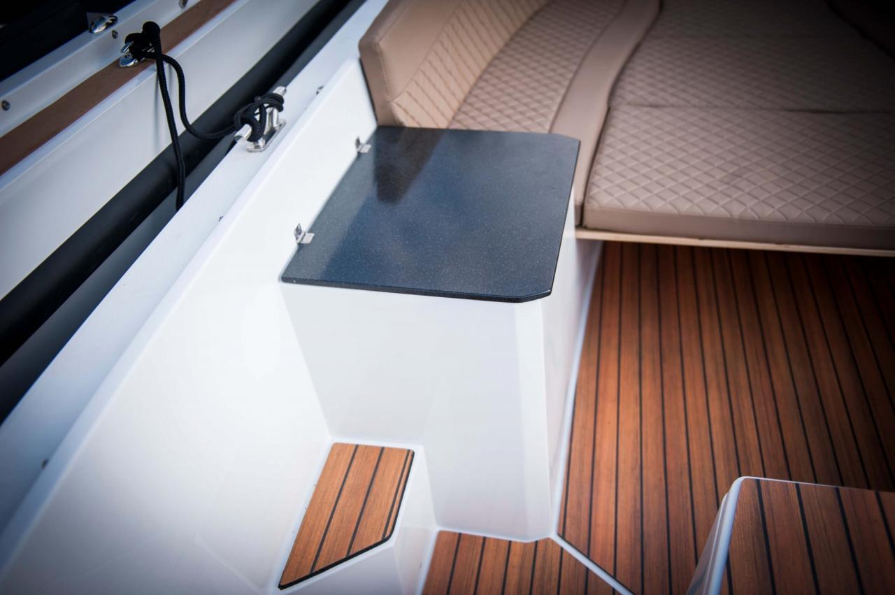Maxima 650 Lounge 20
