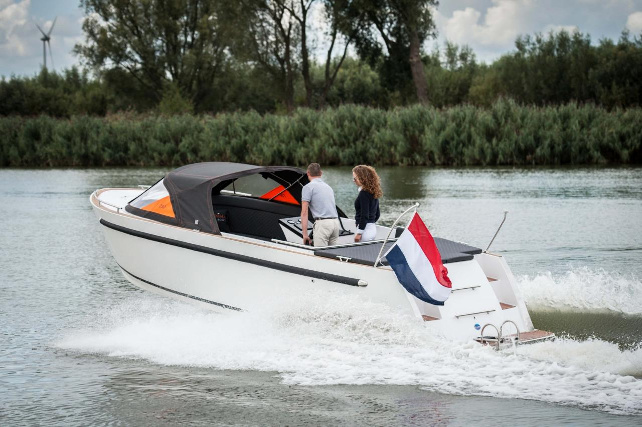 Maxima 730 tender 9