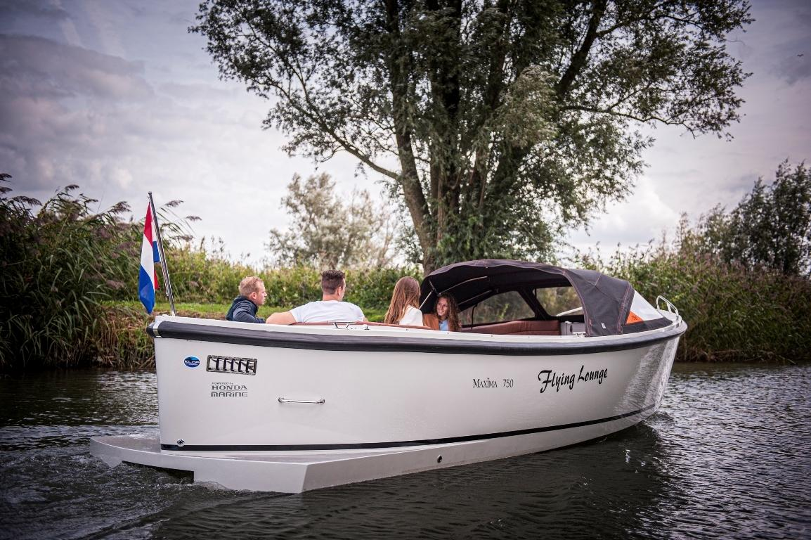 Maxima 750 Flying Lounge met Honda 100 pk! 8
