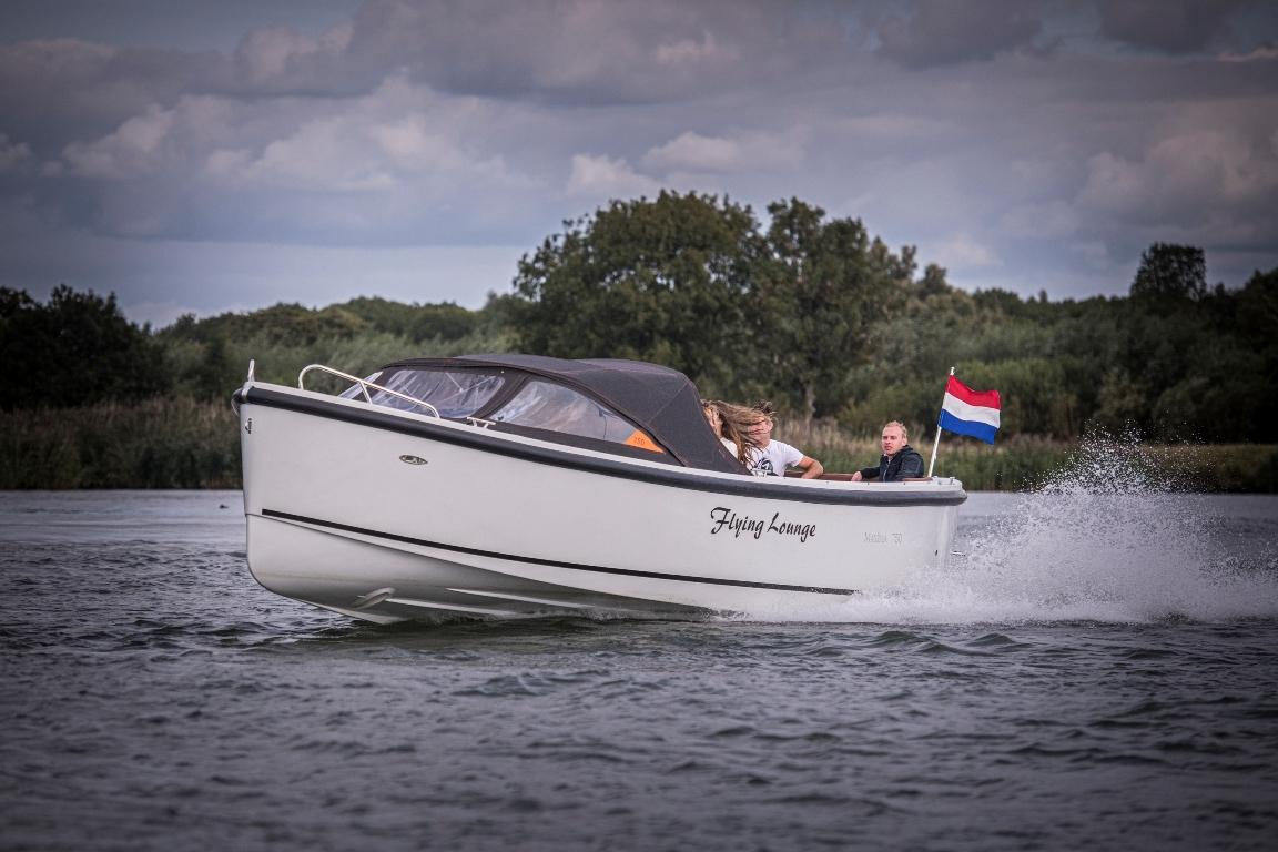 Maxima 750 Flying Lounge met Honda 100 pk! 12
