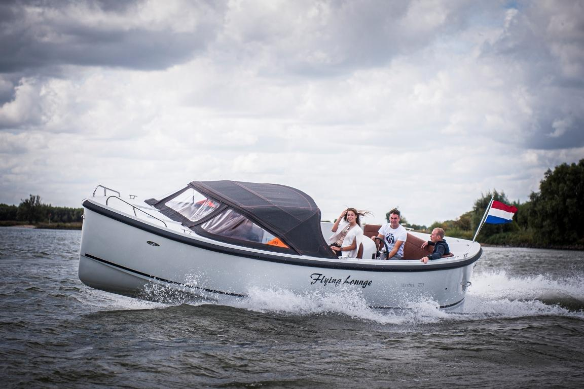 Maxima 750 Flying Lounge met Honda 100 pk! 14