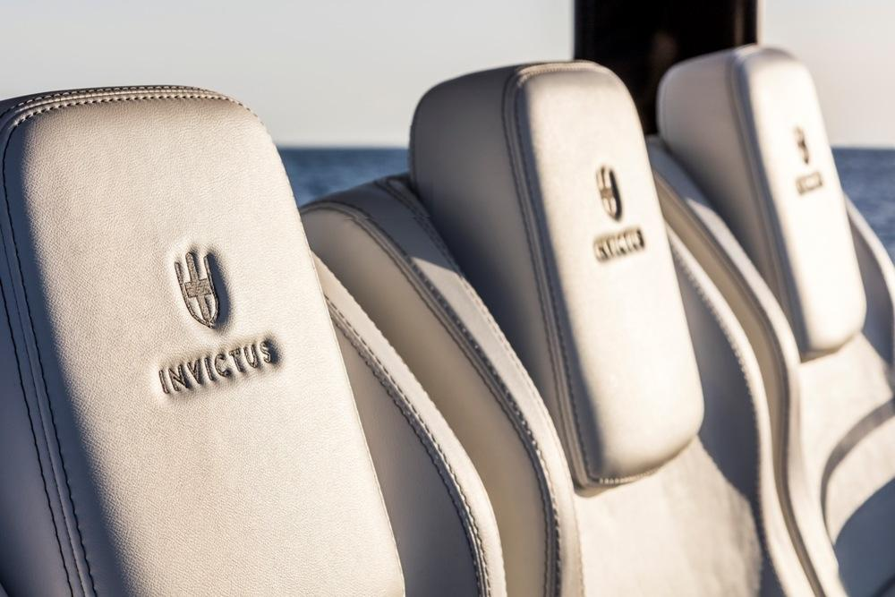 Invictus 370 GT sportcruiser leverbaar! 21