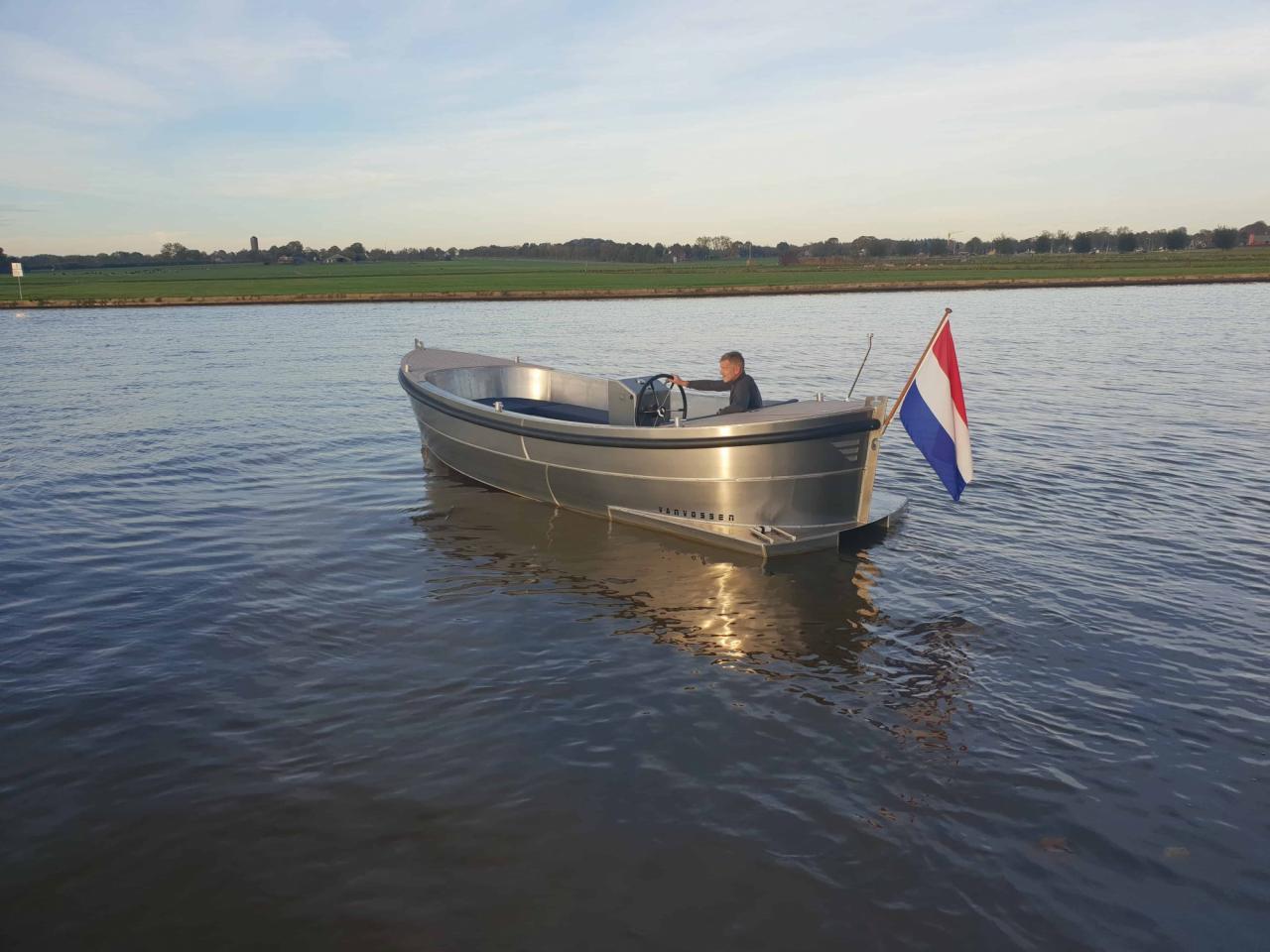 VanVossen Sloep 600 3