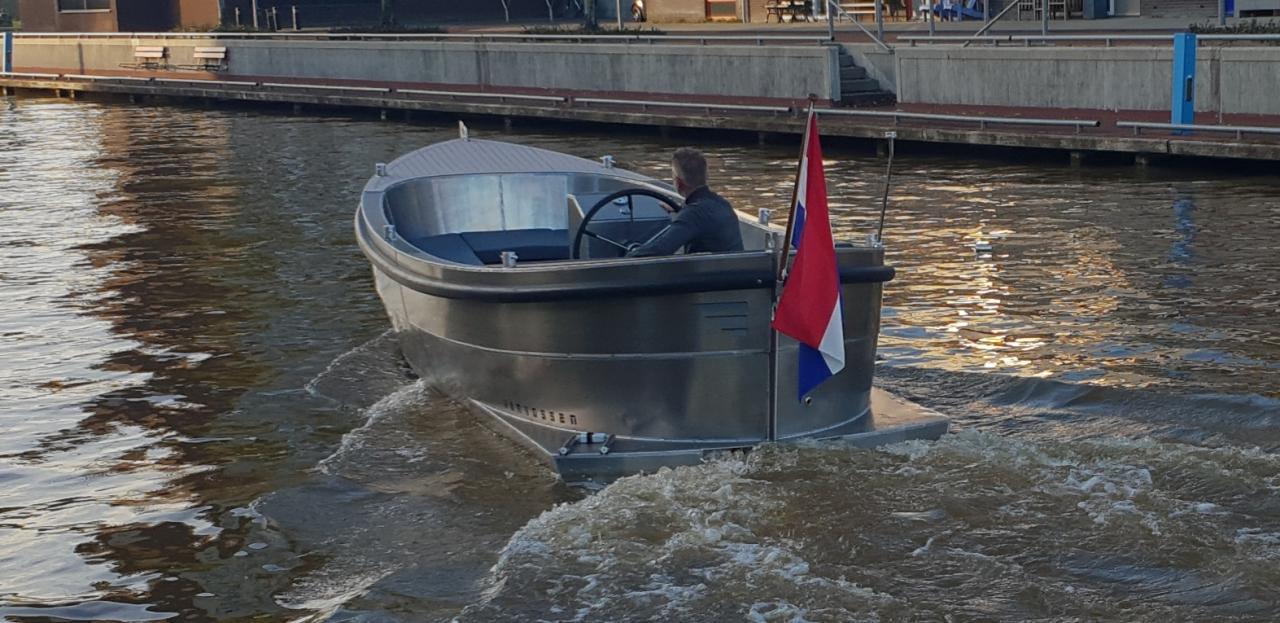 VanVossen Sloep 600 4