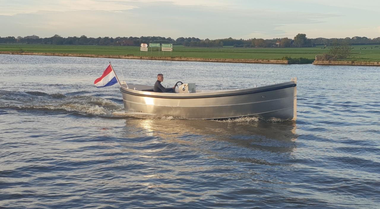 VanVossen Sloep 700 2