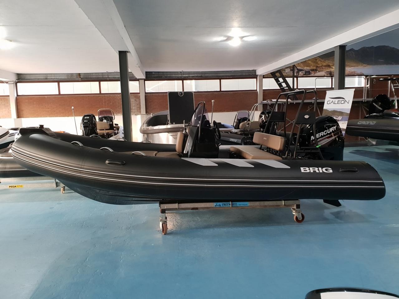 Brig 485 navigator met Mercury 60 pk 2