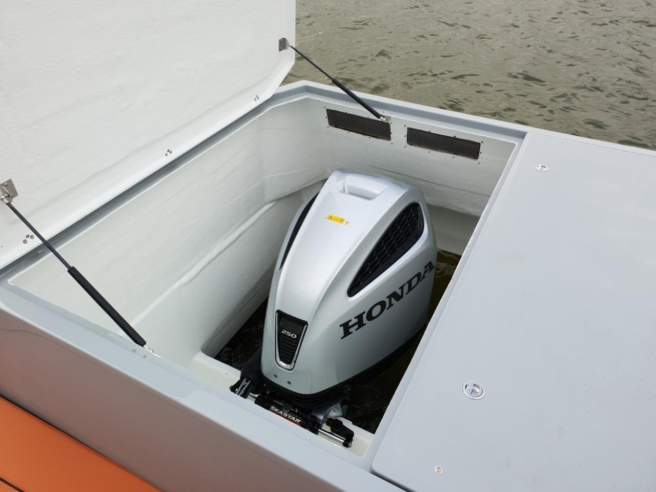 Maxima 840 met Honda 250 pk FULL OPTIONS! 24