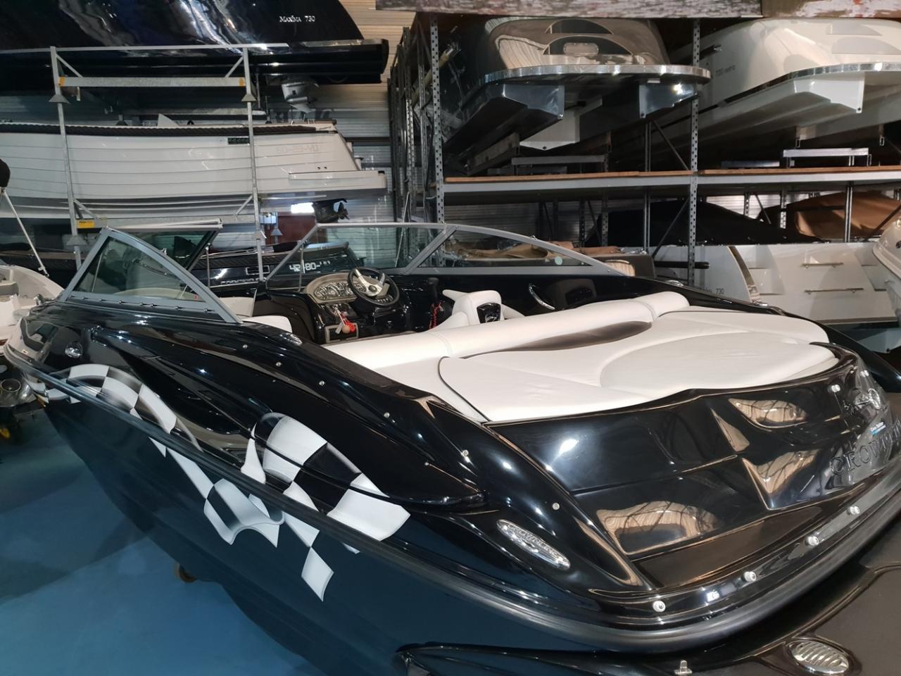 Crownline speedboot met Mercruiser 5 liter V8 motor 6