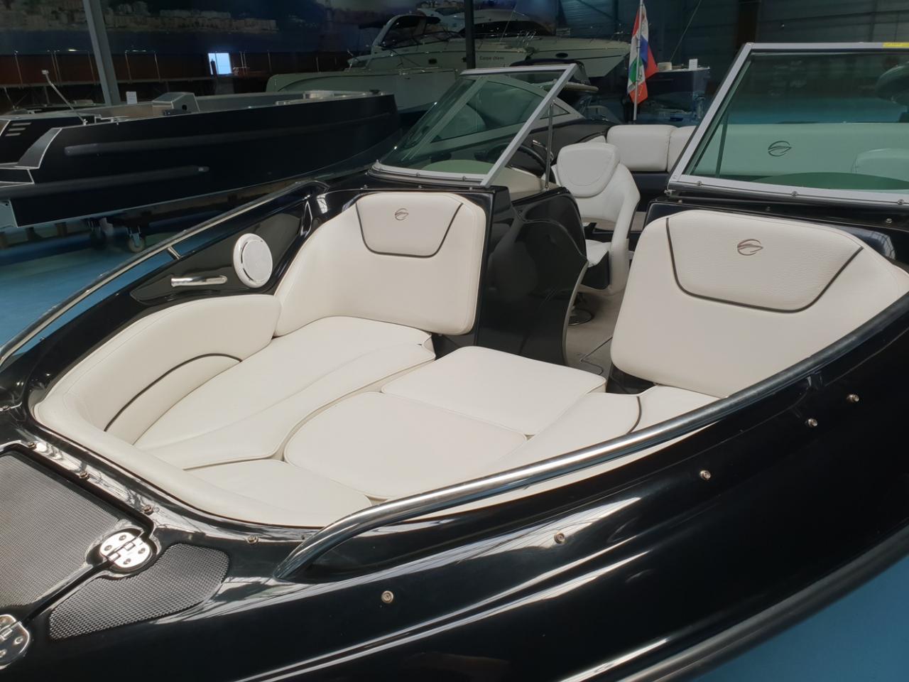 Crownline 220 met Mercruiser 5 liter V8 260 pk 3