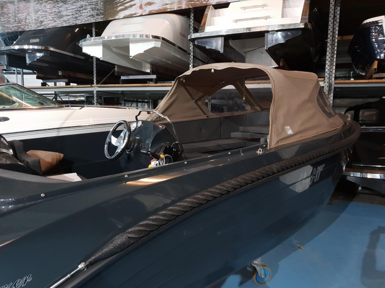 OudHuijzer 570 tender met Suzuki 60 pk 4