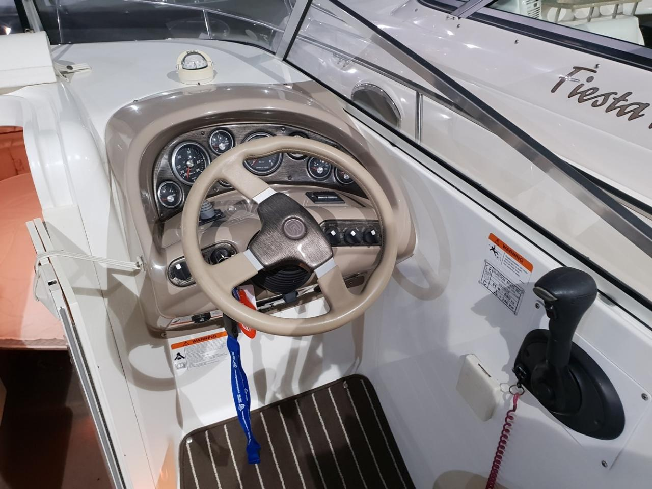 Glastron 249 met Mercruiser 5 liter MPI V8 4
