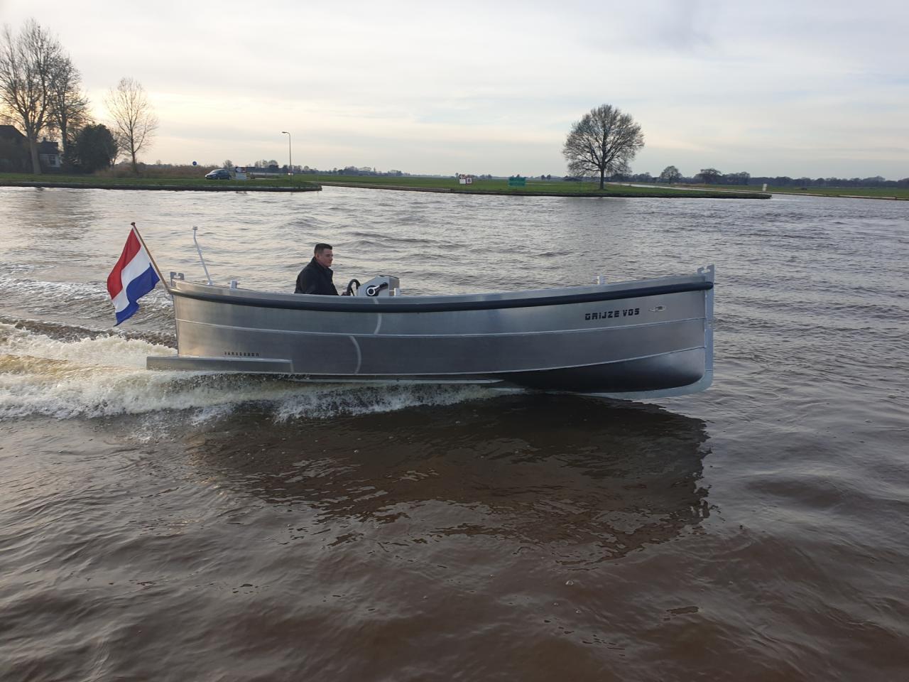 VanVossen Sloep 700 met Honda 100 pk 9