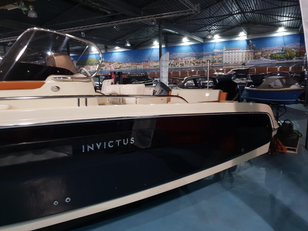 Invictus 240 cx met Mercury 200 Verado 7