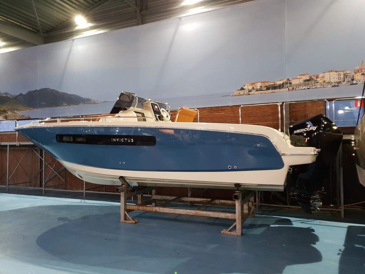 Invictus 270 cx met 2 x Mercury Verado 200 pk 8