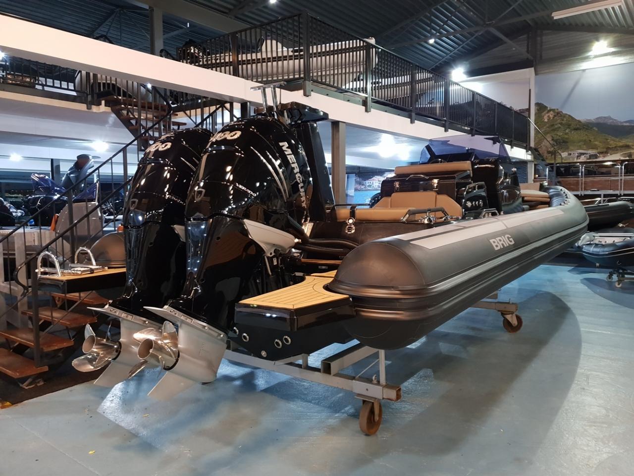 Brig Eagle 10 met 2 x Mercury Verado 400 pk! 3