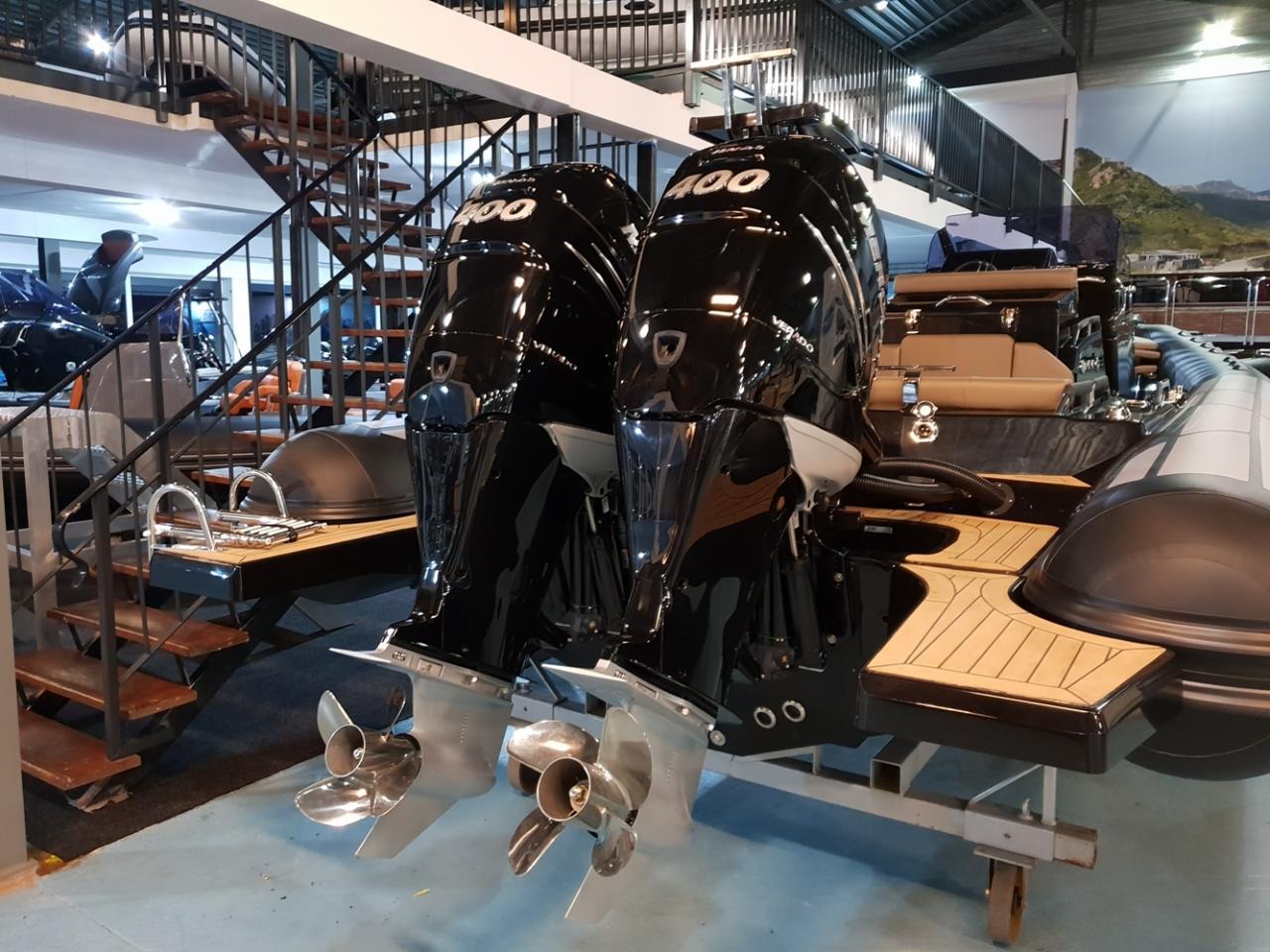 Brig Eagle 10 met 2 x Mercury Verado 400 pk! 4
