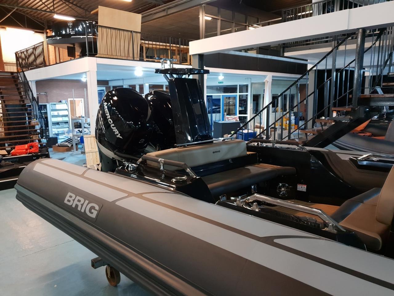Brig Eagle 10 met 2 x Mercury Verado 400 pk! 9