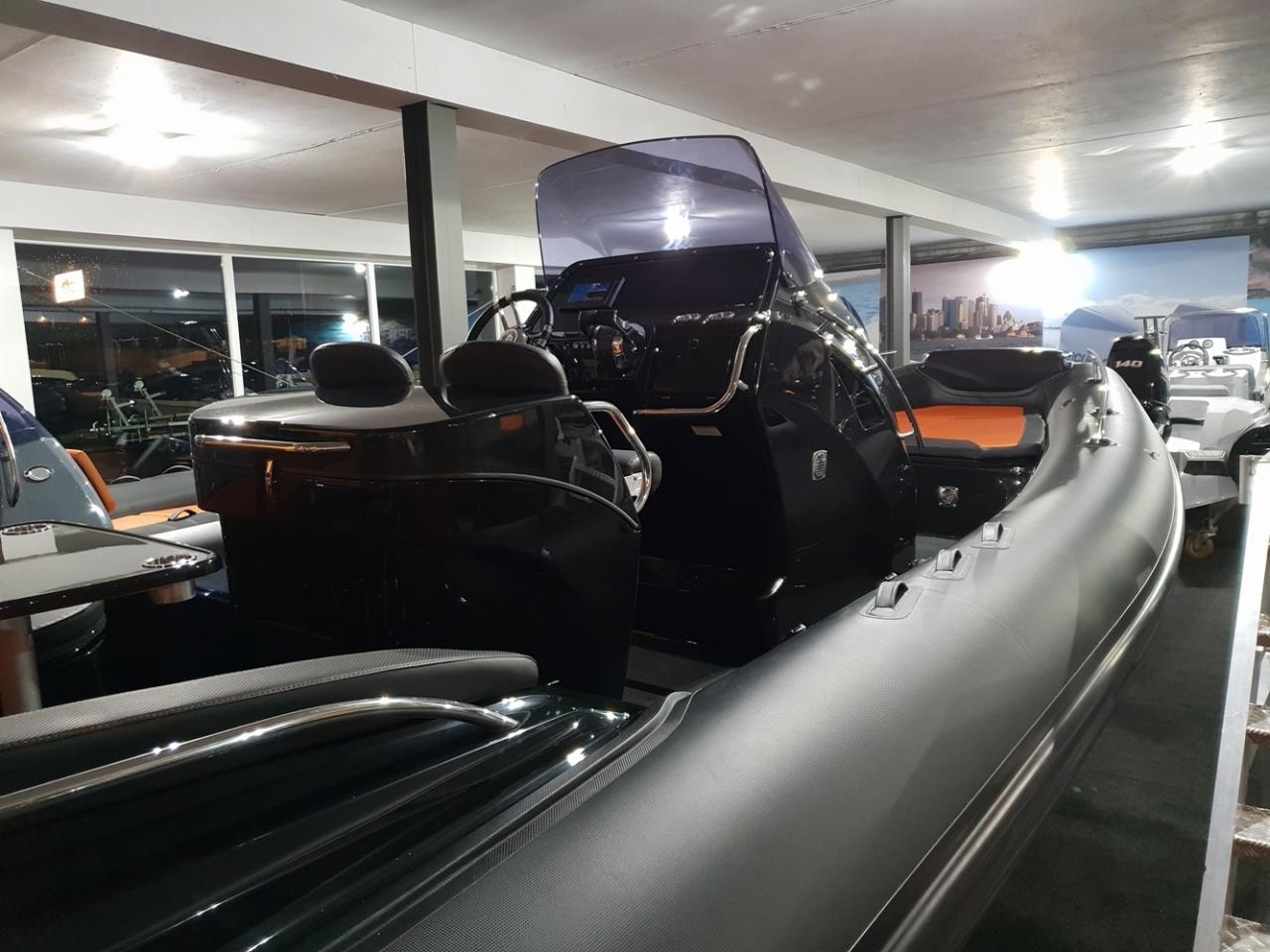 Grand G850L met 2 x Mercury Verado 225 pk 4