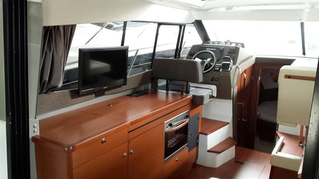 Jeanneau NC11 met Volvo Penta D6 330 pk 35