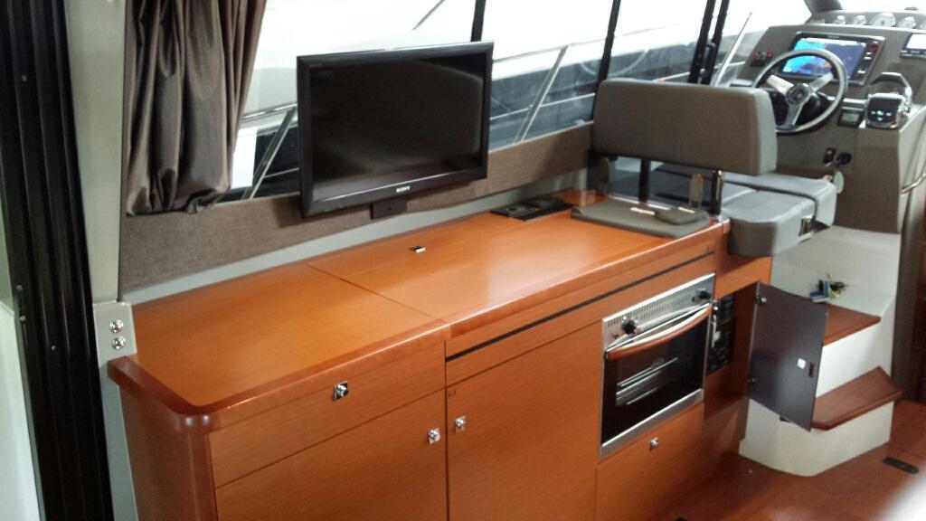 Jeanneau NC11 met Volvo Penta D6 330 pk 42