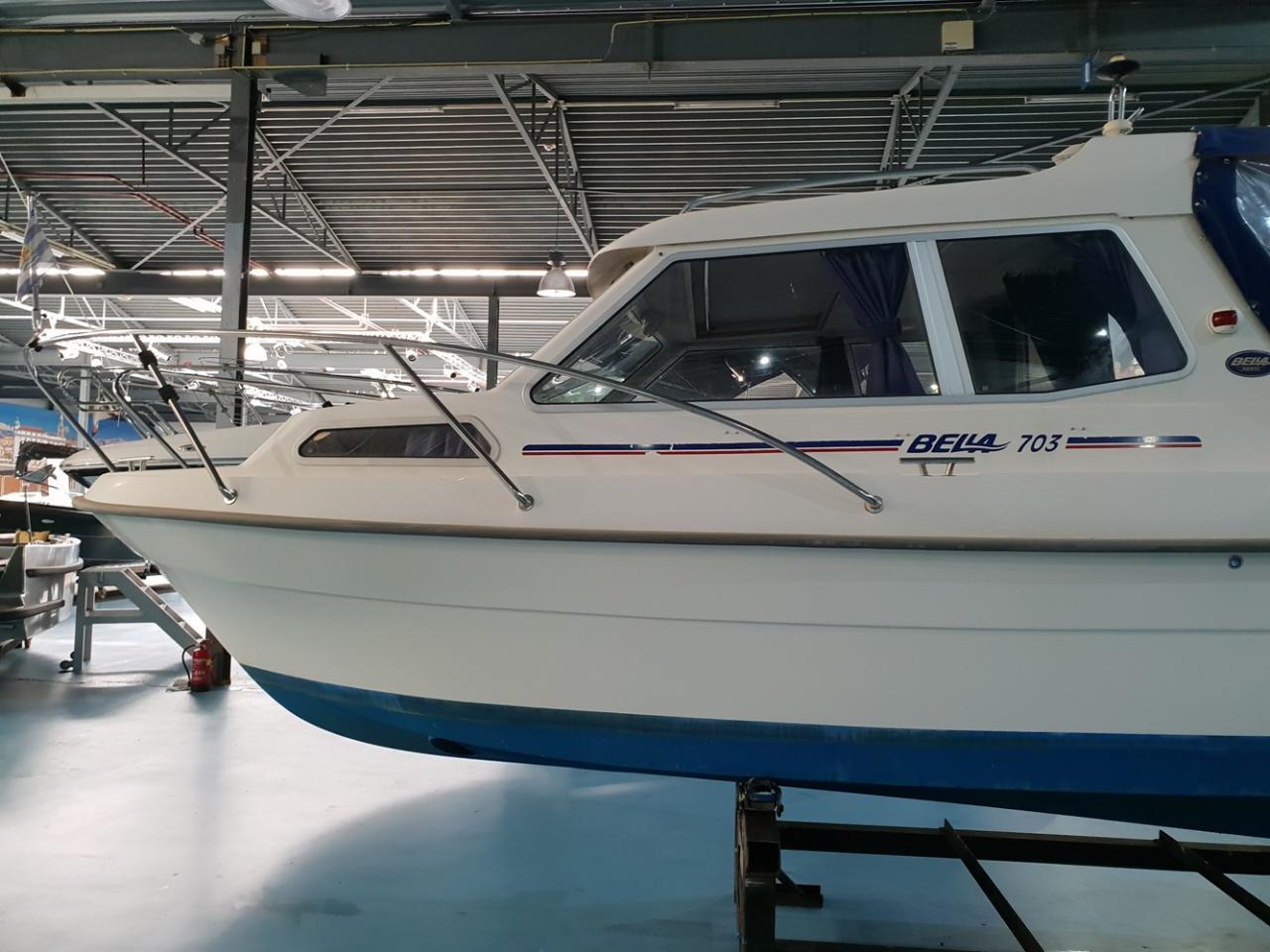 Bella 703 met Yanmar 37 pk diesel motor 3