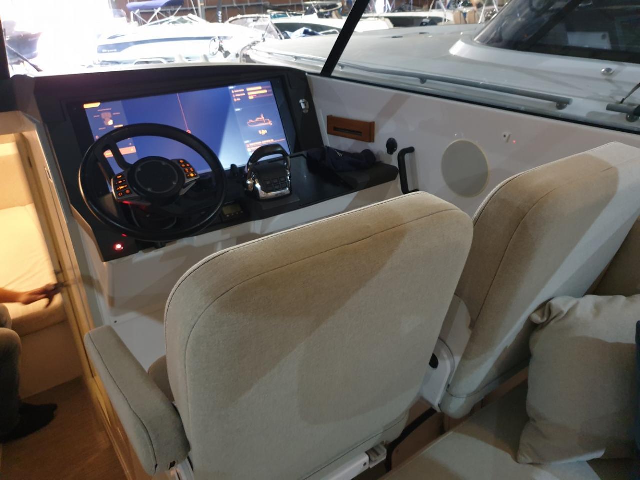 HOC 33 Sportcruiser met Volvo Penta D6 400 pk  5