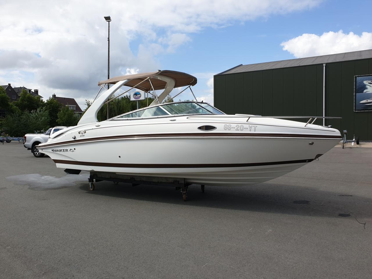 Rinker 246 speedboot met Mercruiser 5.7 MPI V8 300 pk! 2