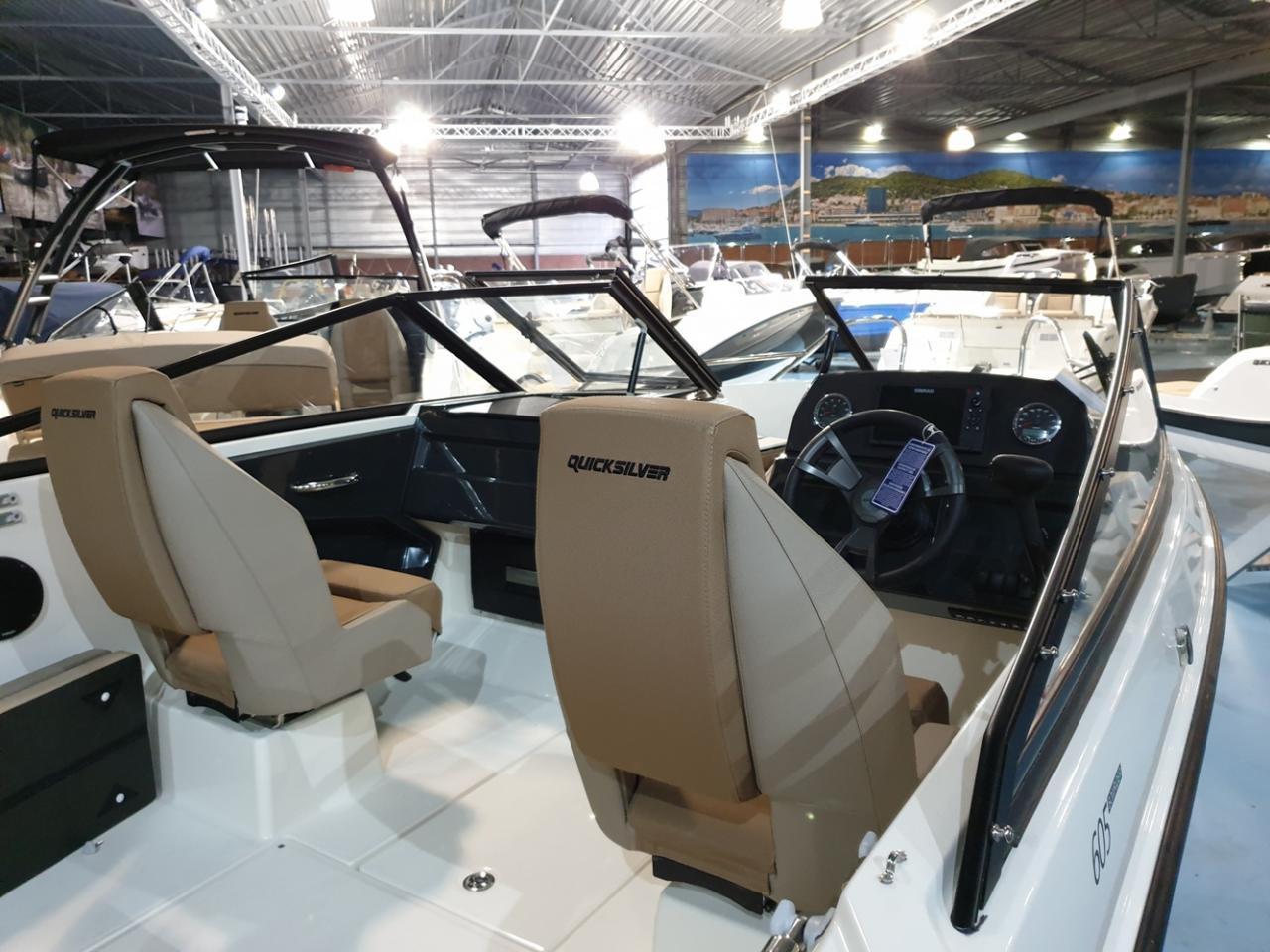 Quicksilver 605 Bowrider met Mercury 150 pk 3