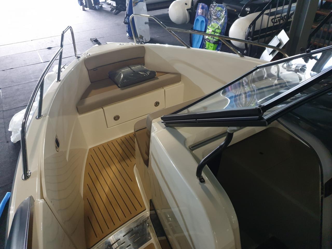 Quicksilver 675 Bowrider met Mercury Verado 225 pk 4