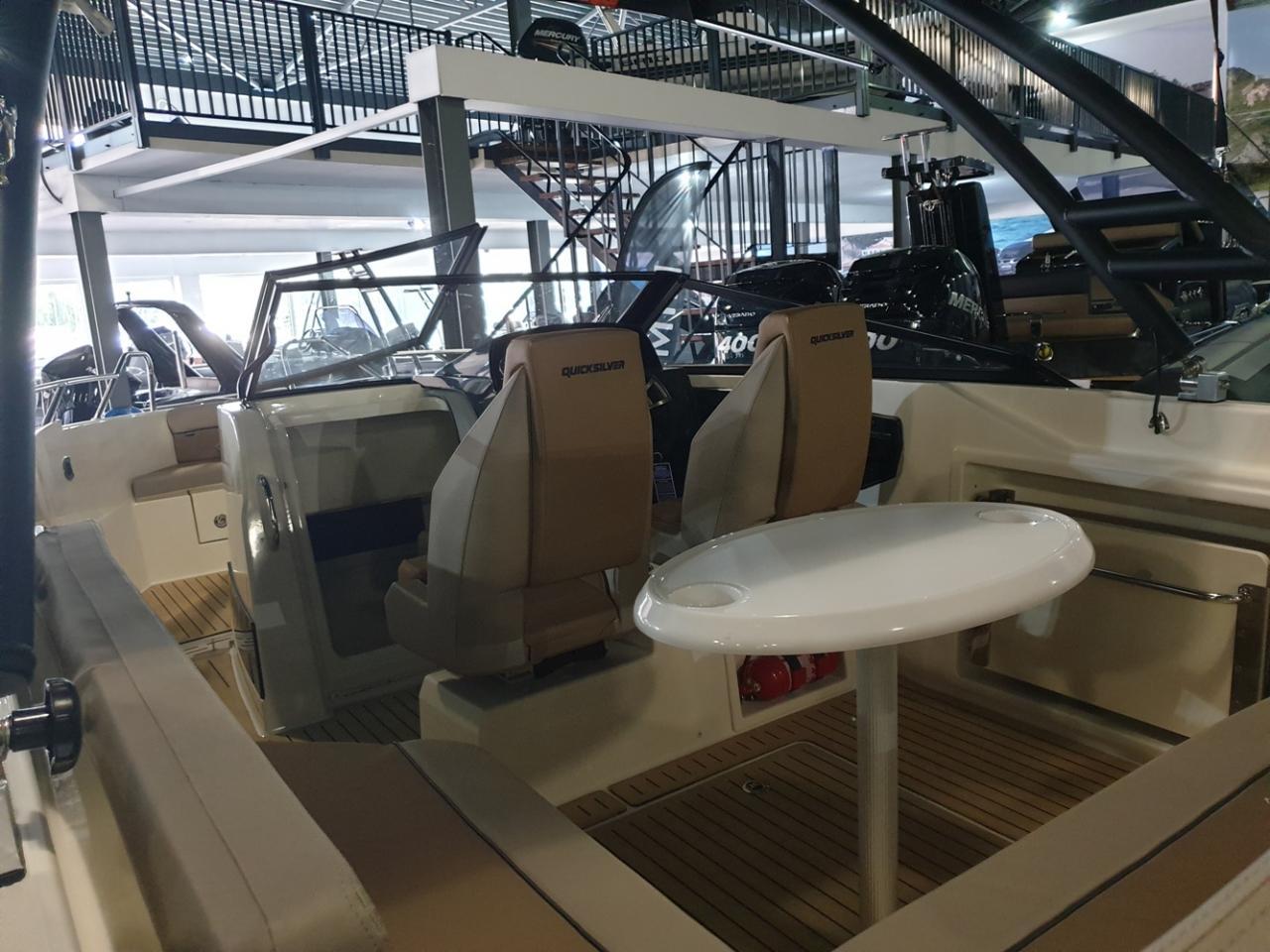 Quicksilver 675 Bowrider met Mercury Verado 225 pk 10