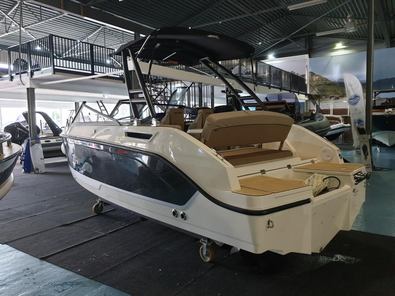 Quicksilver 675 Bowrider met Mercury Verado 225 pk 11