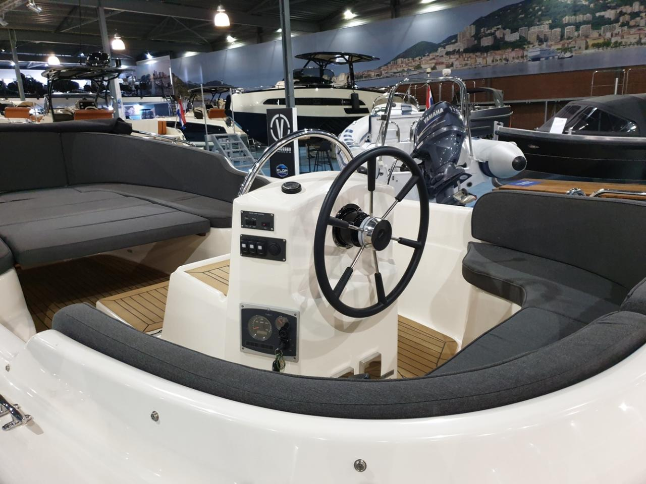 Asloep 650 met Craftsman 27 pk diesel 6