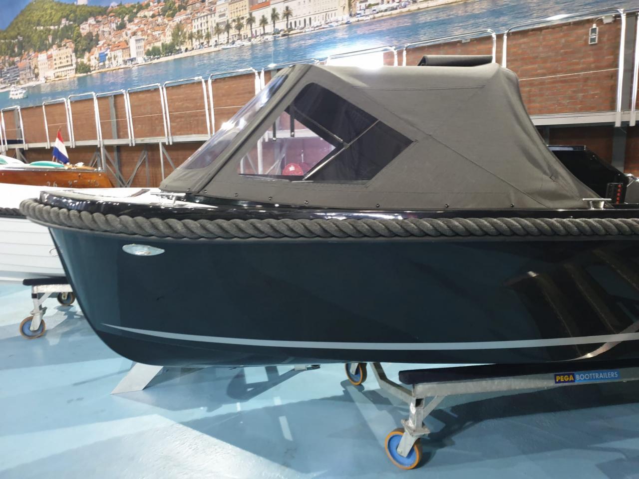 Maxima 490 zwart met Honda 20 pk DIRECT VAARKLAAR! 3