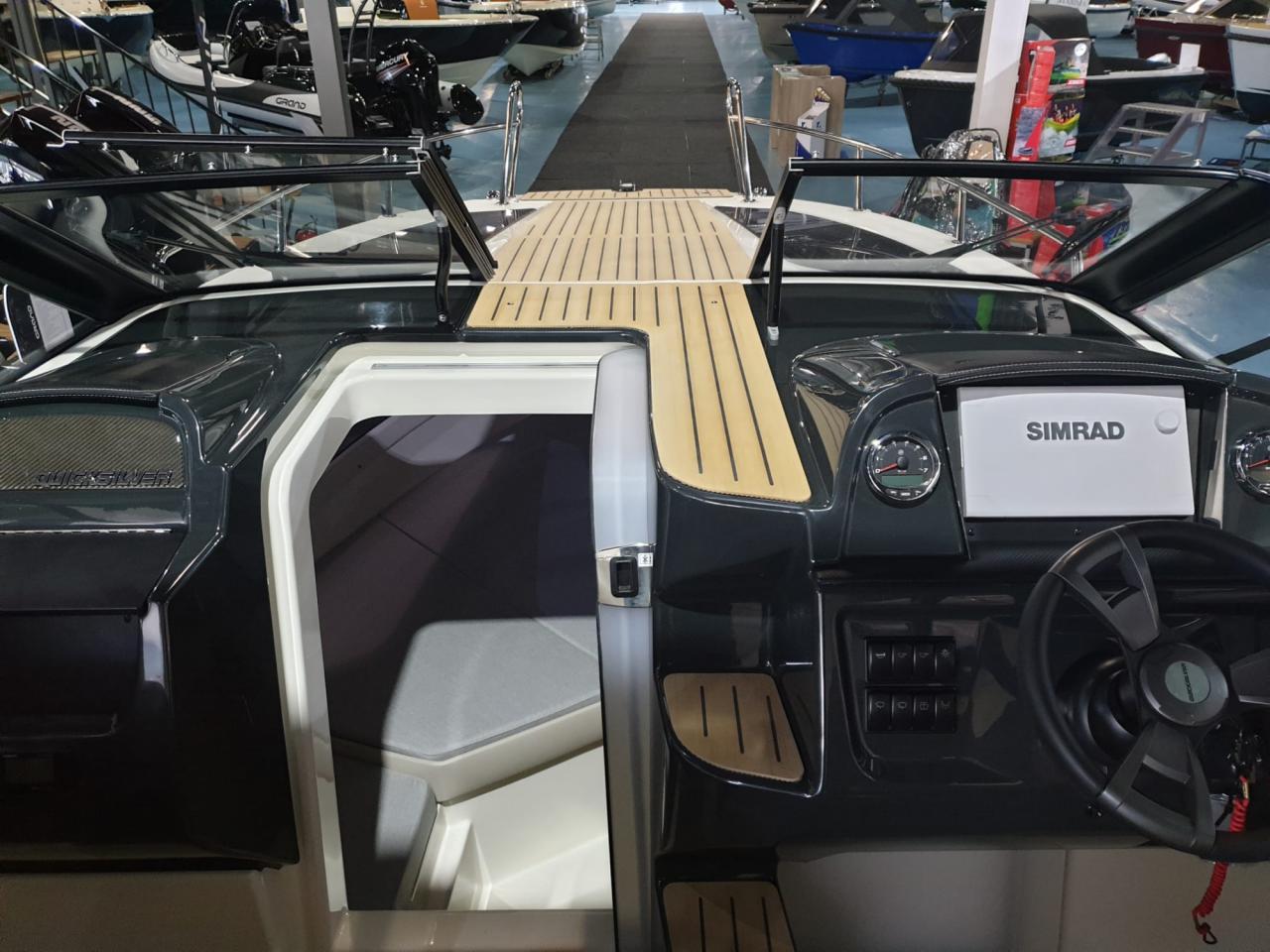 Quicksilver 755 Cruiser met Mercury Verado 300 pk OP VOORRAAD! 5