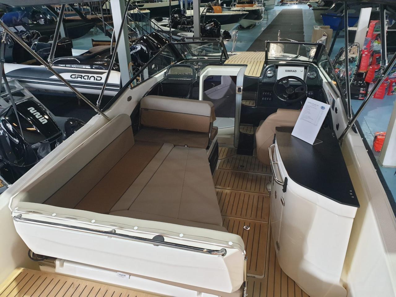 Quicksilver 755 Cruiser met Mercury Verado 300 pk OP VOORRAAD! 8